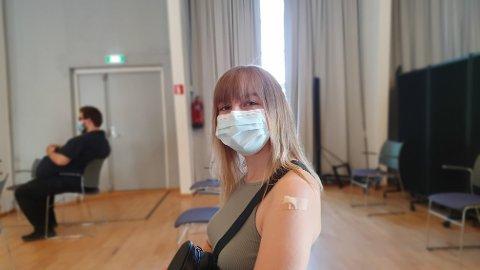 ALDRI I TVIL: Leona Hauge-Wold (18) var ikke i tvil om at hun skulle ta vaksinen mot covid-19.