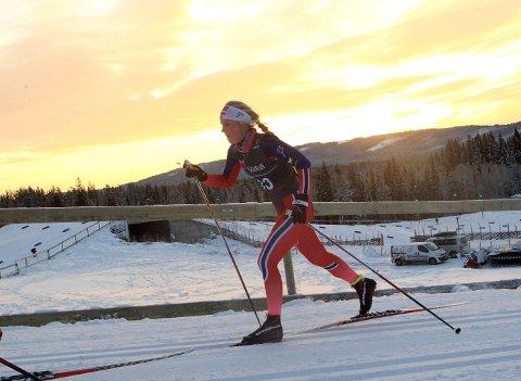 OPPTUR: Da det ble fellesstart og Emilie Kongsten hadde to konkurranser i beina, holdt skitalentet høy fart.foto: erik Borg