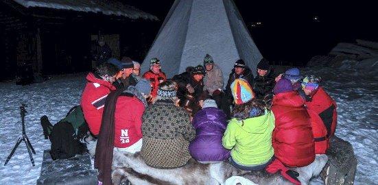Friluftslivets år: Et 20-tall personer var møtt frem på Breivoll for å markere starten på Friluftslivets år 2015. foto: eskild gausemel berge