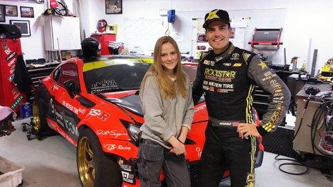 STJERNEMØTE: Gabija Kanapeckaite fikk et spennende møte med verdensmesteren i drifting, Fredric Aasbø, under innspillingen av kampanje-videoen til Akershus fylkeskommune.