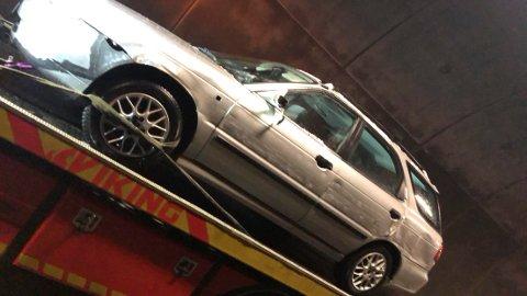 SKRAPET OPP: Slik så bilen ut etter møtet med vogntoget.