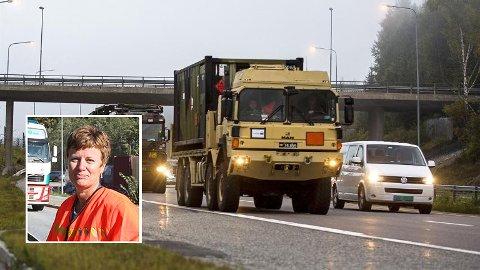 Marita Birkeland i Statens vegvesen håper folk er ekstra tålmodig når de militære kolonnene kommer forbi.