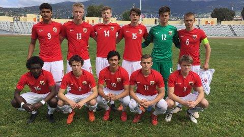 Norges lag mot Hellas i dag. Josef Baccay med nummer 18 på drakta, nedre rekke.