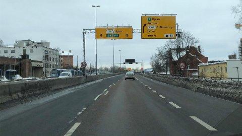 NEDSATT FART: Ring 3 i Oslo, som her ved Grefsen stasjon, er en av veiene som har nedsatt miljøfartsgrense om vinteren.