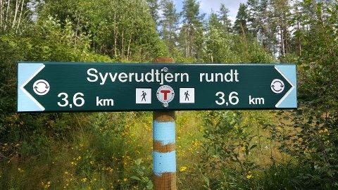 FØLG BLÅMERKING: Velg selv i hvilken retning du vil gå i.