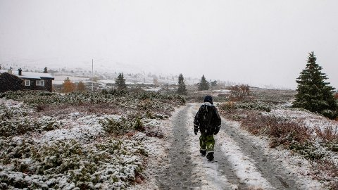 ADVARER: Meteorologen advarer sjåfører som skal over fjellet denne helgen. Kaldt på snaue 1000 meters høyde i Gravdalen på Kvamsfjellet i Gudbrandsdalen.