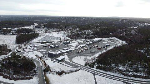 ÅPNE GRENSER: Foreløpig er det ikke noen som tyder på at regjeringen kommer til å gjøre noe med trafikken over Svinesund.