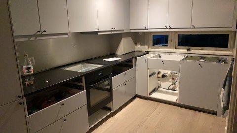 UTEN FUNGERENDE KJØKKEN: Problemene med Ikea gjør at kjøkkenet til Therese Nordnes ser sånn ut akkurat nå.