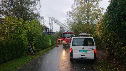 SAGAVEIEN: Tre falt over veien i Sagaveien i Ås.