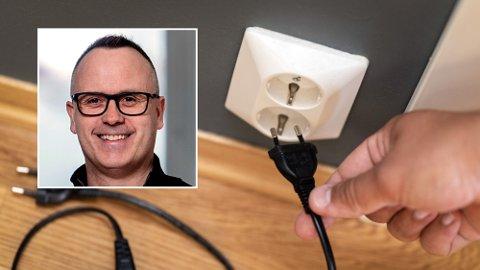 MÅ GJØRES NOE: Kenneth Hauge i Tinde Energi (innfelt) mener at noe må gjøres i bransjen, så det blir lettere for forbrukerne å forstå seg på strømprisene og hva de betaler for. Illustrasjonsfoto.