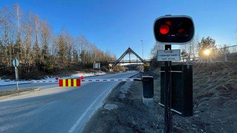 STENGT: Oslofjordtunnelen har vært stengt siden søndag formiddag etter en møteulykke i tunnelen.