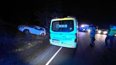 UTFORKJØRING: En bil har kjørt ut av veien i Nesoddveien i Frogn fredag kveld.