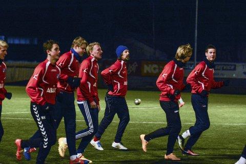 Mye å lære: Petter Belsvik mener at unggutta i Fram kan lære mye fra den tidligere toppspilleren Mykland.