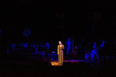 Gjesteartist: Christel Alsos fremførte vakre låter fra sitt julealbum lørdag. Her synger hun «Nordnorsk julesalme».