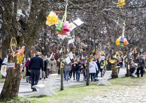 April: Kunsten florerer i Stavern og påskeutstillingen er veldig populær. Det store kunstmiljøet er levende hele året. foto: per albrigtsen