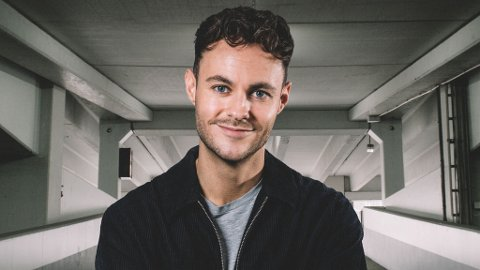 PREMIERE: Gisle August Gjevestad Agledahl fra Larvik lanserte i forrige uken sluttproduktet av prosjektet «Jævla homo» på NRK.