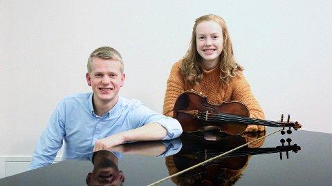 STORE TALENTER: Dag Øyvind Larsen og Rebecca Nøstrud Isaksen er to av Larviks store musikalske talenter. Nå går de sammen på scenen for deg.