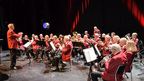 Larvik veterankorps med dirigent Kjell Åge Hansen