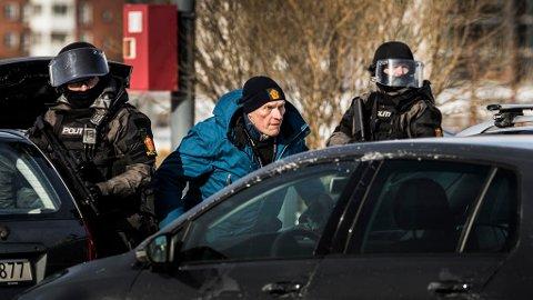 FØRSTE SESONG: Sven Nordin som etterforsker, William Wisting under innspillingen av sesong 1 i Wisting-serien.