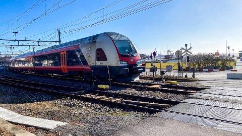STILLSTAND: I forbindelse med Nasjonal Transportplan har ulike transportetater gitt signaler om at de ikke ønsker å presentere Vestfoldbanen sør for Tønsberg de neste seks årene. Dermed kan det bli som i dag, ett spor fra Tønsberg til Larvik, i mange år framover.