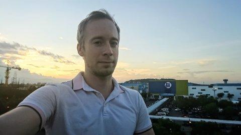 HÅPER Å KOMME HJEM: Benjamin Sveen skulle egentlig være på Filippinene i tre måneder. Nå har han vært der i et halvt år.