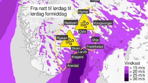 KRAFTIGE VINDKAST: Fra natt til lørdag er det ventet kraftige vindkast i Vestfold. Langs kysten kan kastene komme opp i full storm, mens i innlandet liten storm.