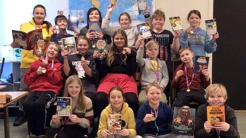 Femte klasse på Kvelde skole vant nasjonal lesekonkurranse. (Foto: Larvik kommune)