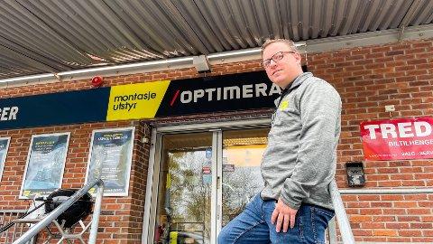 SJEF: Andreas Holm har vært daglig leder av butikken siden i fjor høst.
