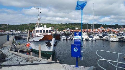 HELGEROA: Helgeroa er en av tre steder i Larvik hvor det har blitt satt ut blå stativer.