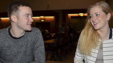 ULIKE VALG: Nestleder Emilie Enger Mehl takker for seg, mens leder Erling Laugsand ønsker en ny periode i Senterungdommens ledelse. (Foto: Bjørn-Frode Løvlund)