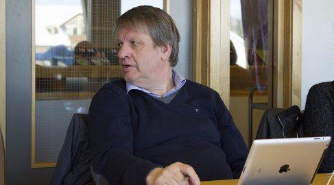 JA: Leder i Rena IL, Hans Petter Wahl Adolfsen, oppgir at idrettslaget er villig til å sette seg til forhandlingsbordet med Åmot kommune igjen. – Men hva vi gjør etter det, må vi ta opp i ekstraordinær generalforsamling i Rena IL, sier han.Foto: Maria Velve Søgaard