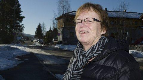 ROPER VARSKU: - Åmot SV må ha forsterkninger for å unngå at lokallaget legges ned, sier tidligere ordfører og leder i Åmot SV, Vivi Nysveen.