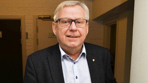REALISTISK: Ordfører Erik Hanstad (H) er realistisk og innser at Elverum ikke blir hovedsete for Innlandet politidistrikt, men en eventuell flytting av 110-sentralen bekymrer ham. Foto: Bjørn-Frode Løvlund