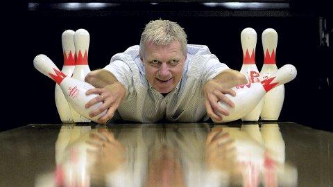 HÅPER PÅ FLERE STRIKES: Daglig leder ved Bowling 1, Bjørge Furuheim, håper åpningen for at flere kan bli med på bedriftsbowling vil bety økt aktivitet. (Foto: Anita Høiby Gotehus)