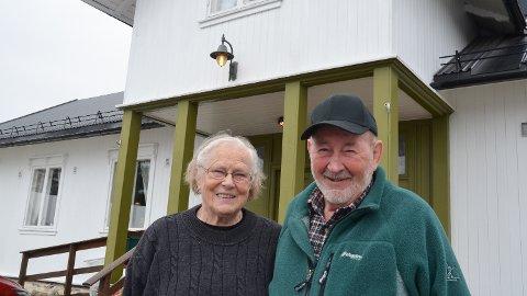 SKJOLDS VENNER: Mary Engebakken har overlatt ledervervet til Lars Rygg. Begge ivrer for å ta vare på forsamlingshuset Skjold i Nordbygda.