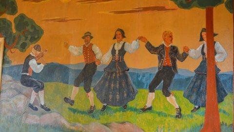 VEGGMALERI: Malt av Paul Lillo-Stenberg, senere rekonstruert av Gun Løken.