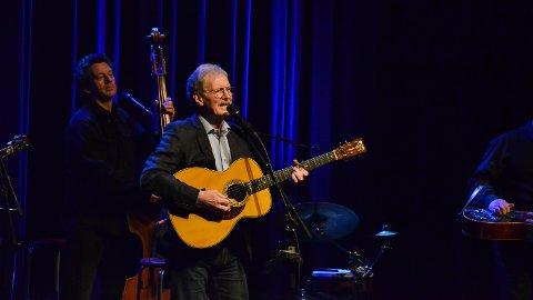 PRIS: Øystein Sunde blir tildelt kulturpris. Her fra en konsert i Elverum kulturhus i januar 2017.