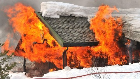 Mange hyttebranner kunne vært avverget dersom eierne hadde sørget for å ha brannslukningsutstyr tilgjengelig. Foto: Arnstein Karlsen, Tryg/ANB