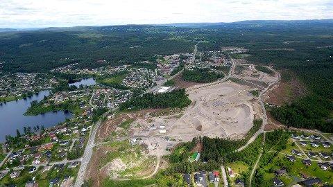 NY BYDEL: Elverum bygger den nye bydelen Ydalir for å skaffe 800-1.000 nye boliger. Med mindre vekst i folketallet vil det ta lang tid å fylle den opp.Foto: Elverum Vekst/Stein Cato Nybakken