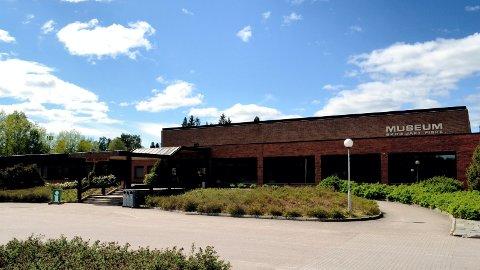 FLAGGSKIP: Norsk skogmuseum i Elverum.