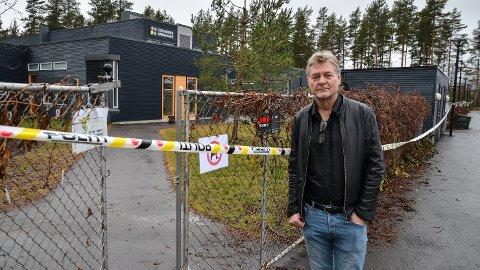 TRIST: Utdanningssjef Tord Arnesen stoler på at politiet vil finne ut om Terningen barnehage faktisk ble påsatt, og i så fall av hvem.
