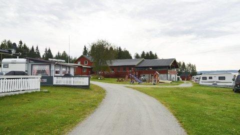SELGES: Rokosjøen camping er til salgs for 3,2 millioner kroner. Foto: Merete N. Netteland