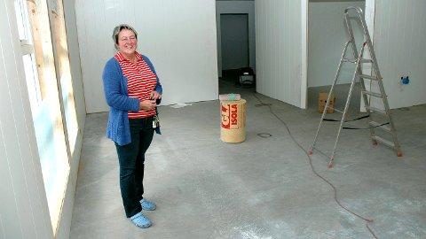 STARTEN: For ti år siden var Eva Brenne i ferd med å innrede nye Skogly barnehage i Løten. I dag er hun pensjonist, etter at hun solgte barnehagen i fjor.