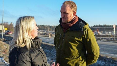 NYTT MØTE: Ordfører i Løten Bente Elin Lilleøkseth og samferdselsminister Jon Georg Dale møttes på Ånestad i november. På nyåret møtes de igjen for å diskutere bompenger.