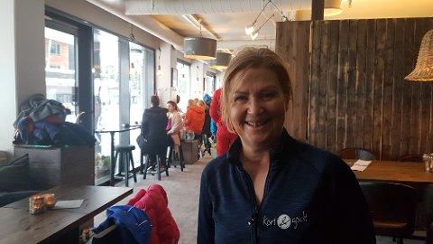 TRAVEL: Kari Wassgren har utvidet restauranten Kort & Godt i Fageråsen, og hun har hatt en travel jul. - Forhåpentligvis kan vi tya noen fridager i januar, sier hun.