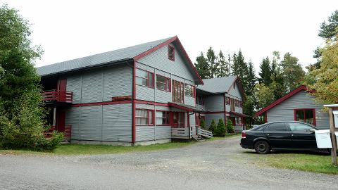 TIL SALGS: Hybelbygget i Peder Faldsveens vei på Rena er seksjonert inn i 44 enheter i forkant av salget.