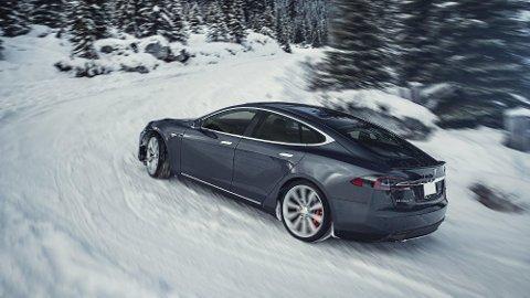 ENDRINGER FOR TESLA: Tesla avvikler Tesla Model S- og Tesla Model X-versjonen med batteripakke på 75 kWh. Det kan gi store utslag i pris på grunnmodellen. Foto: Tesla
