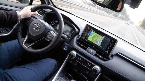 Kjøreegenskapene er stabile, forutsigbare og nøytrale.