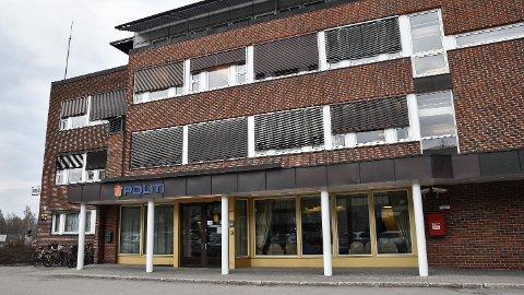 BLIR VÆRENDE: Politiet i Elverum skal fortsette å ha tilhold i de nåværende lokalene.
