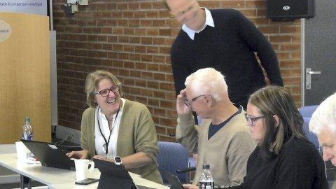 NESTEN GOD-STEMNING: Sykehussjef Alice Beathe Andergaard og Hamar-ordfører Einar Busterud holder god tone, selv om ståstedet er forskjellig.